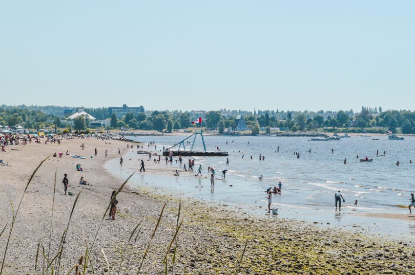 Click for my guide to the best free things to do in Vancouver, including visiting Vancouver beaches.